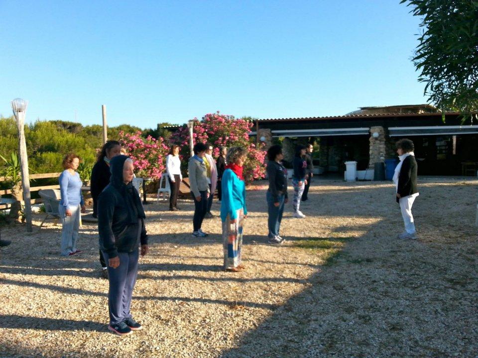 """Lampedusa bene&Benessere: Qi gong   """"Impariamo a prenderci cura della nostra salute e della nostra vita""""."""